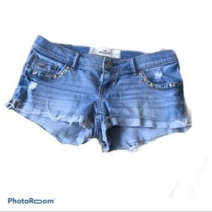 Adorable beaded Hollister jean shorts